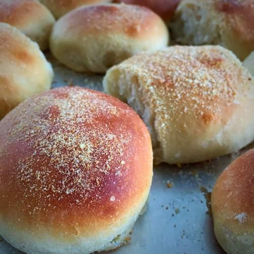 Fresh pan de sal